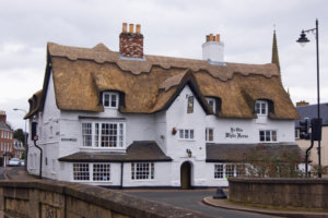 This U.K. County Will Pay You $40,000 to Explore Its 50 Miles of Historic Pubs